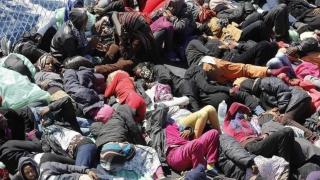 """Migranţii, """"salvaţi"""" în discuţii ministeriale italiano-francezo-germane"""