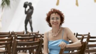 """Mihaela Burlacu duce """"Cerul arcturian"""" la Mangalia"""