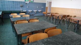 Mii de clădiri de învăţământ nu deţin autorizaţie sanitară de funcţionare