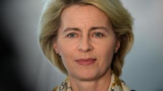 """Ministrul german al Apărării vrea o """"uniune europeană de apărare"""""""