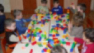 Mizeria din bucătăria grădiniţei, cauza îmbolnăvirii copiilor din Piteşti
