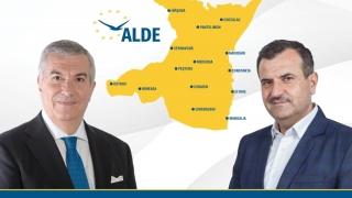 """Modelul de administraţie """"Vrabie"""" şi cel de guvernare """"Tăriceanu"""", adoptate de candidaţii ALDE Constanţa"""