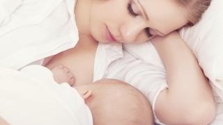 Nicio țară din lume nu îndeplinește standardele privind hrănirea bebelușilor la sân