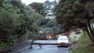 Noua Zeelandă, de la ciclon la vânt de 160 km/h și valuri de 11 metri