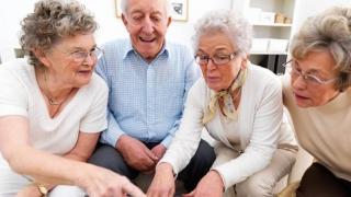Nu facem mişcare! Nivelul de activitate al tinerilor, similar cu al persoanelor de 60 de ani!