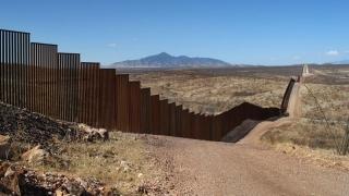 Nu un zid, ci OPT! SUA au început testele pentru prototipurile zidului de la graniţa cu Mexic