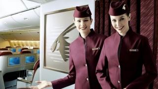 O companie aeriană recrutează stewardese. Vezi condițiile!