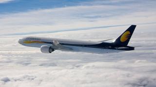 Un avion de pasageri a fost escortat de aeronave militare