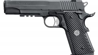 Poligonul Zip Escort găzduiește o competiție inedită de tir cu arme de foc