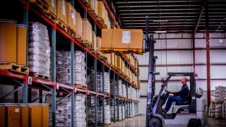"""Logistica """"papă"""" comerț electronic și se face mare"""