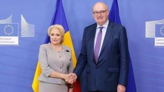 Comisia Europeană are în vedere un sprijin pentru fermierii români rămaşi fără porci