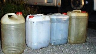 Aproape o tonă de motorină fără documente legale, confiscată la Cernavodă