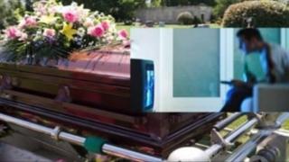 Un irlandez va consilia din mormânt oameni disperaţi