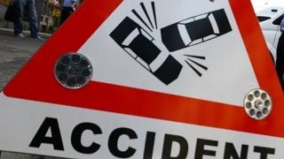 Doi morţi şi trei răniţi grav într-un accident rutier produs pe DN 2