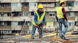 """Modificările legislative """"dărâmă"""" constructorii mici"""