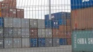 Contrabandă cu țigări facilitată de societăți de comisionariat vamal din port
