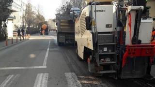 Continuă asfaltările și... haosul din trafic