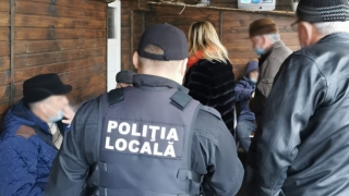 Peste 300 persoane aflate la diverse terase din Constanța au fost amendate pentru că nu și-au putut justifica prezența