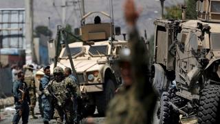 Convoi NATO, atacat: Maşină-capcană, propulsată în mijlocul blindatelor