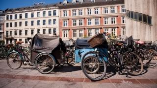 Modelul din Copenhaga: Biciclete și panouri cu senzori pentru fluidizarea traficului.