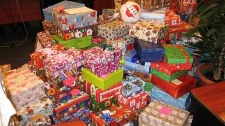 Luna cadourilor aduce surprize dulci pentru copiii din Constanța