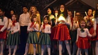 Copiii din centrele de plasament au reînviat basmele de sărbători