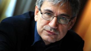 """Orhan Pamuk denunţă """"regimul de teroare în care libertatea presei nu mai există"""""""