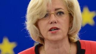 Comisarul european Corina Crețu se opune aplicării de sancțiuni țărilor din Europa de Est