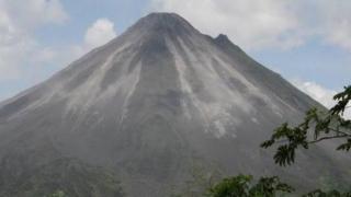 Vulcanul Turrialba din Costa Rica și-a intensificat activitatea