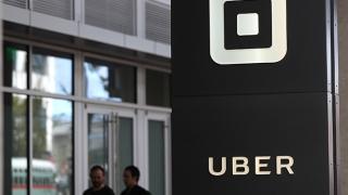 """Transportatorii așteaptă procesul """"piratului"""" Uber"""