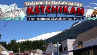 O văduvă a plecat cu bărbatul mort la plimbare prin Alaska