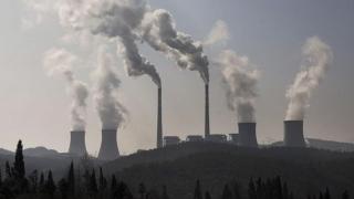 Pământul, sufocat de poluare