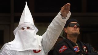 Paradă Ku Klux Klan în cinstea lui Trump