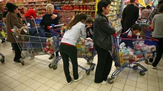 Paradoxal, românii iubesc shoppingul, dar sunt grăbiți și haotici la cumpărături