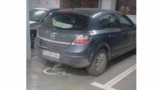 Dacă n-ai handicap sau nu însoțești o astfel de persoană, nu parca aici!