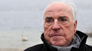 """""""Părintele reunificării"""" germane, Helmut Kohl, înmormântat în mijlocul tensiunilor politice şi familiale"""