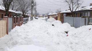 Peste 1.600 de pompieri gata să intervină în zonele afectate de ninsori