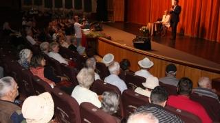Peste 200 de vârstnici constănțeni au fost premiați de Paște