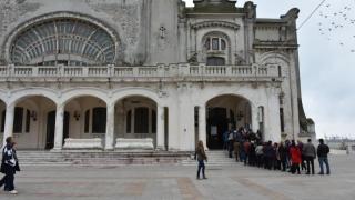 """Peste 4.000 de tomitani au văzut """"SinCronic"""" la Cazino"""