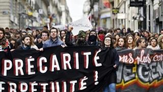 Peste 50.000 de francezi au protestat împotriva proiectului de reformă în domeniul Muncii
