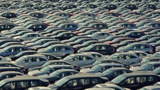 O piață auto săracă - trei mașini second-hand la una nouă