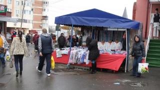Polițiștii și jandarmii au dat iama în comercianții ambulanți