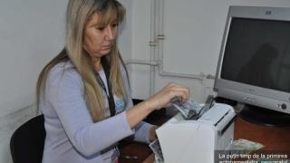 Poșta Română a dat de bani! Mulți, de numărat cu mașina!
