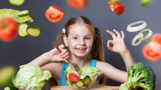 Postul în viața copiilor. Este bine sau nu ca cei mici să nu mănânce de dulce?