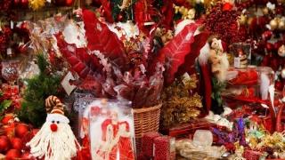 Pregătiri de Crăciun în plină toamnă. Au apărut decoraţiunile de iarnă