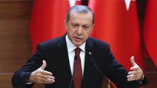 Președintele Erdogan oferă refugiaților sirieni cetățenie turcă