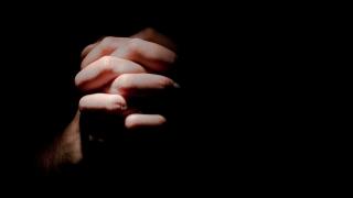 """""""Prin rugăciune transformăm singurătatea în comuniune cu Dumnezeu"""""""