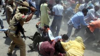 Proteste mortale în regiunea indiană Kashmir