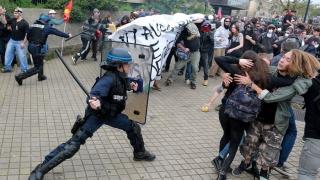 Proteste violente în Franța, împotriva reformei în domeniul muncii