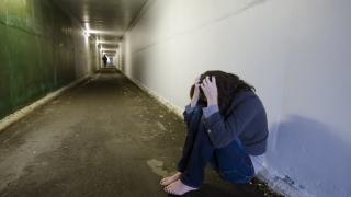 Tinere din Constanța, sclavele proxeneților! 15 suspecți reținuți!